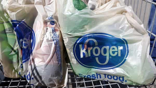 Kroger to give employees $100 to get COVID-19 vaccine